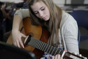 practice sclaes on classical guitar
